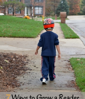 Great, fun and easy phonological awareness ideas to do on a neighborhood walk with the kids.