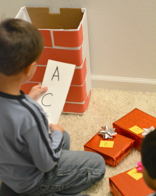 checking the ABC list for this Pete the Cat Saves Christmas game