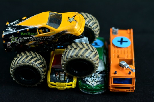 Crush the cars with this phonics monster truck activity.