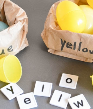 Build color word with letter tiles in this Green Eggs and Ham activity